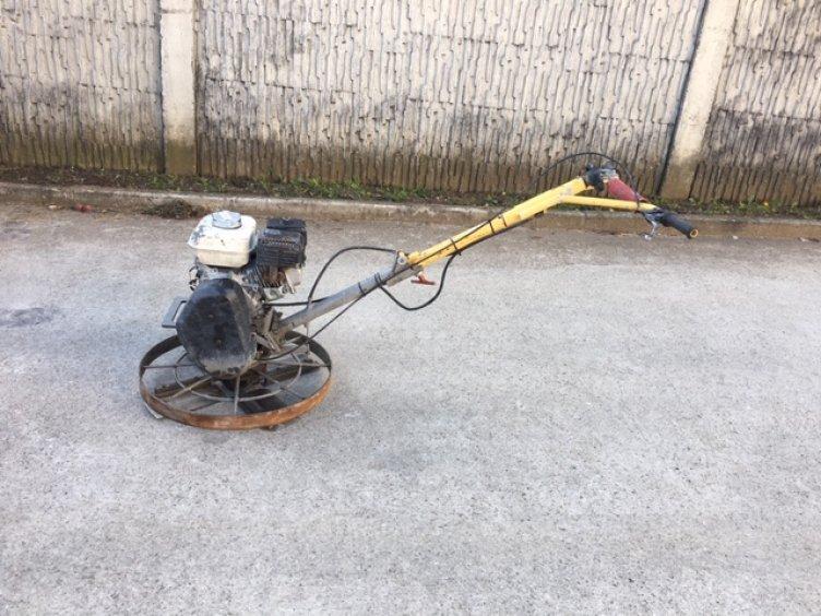 Hladička betónu motorová BG21